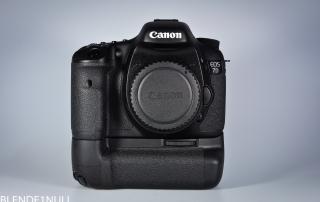 Canon EOS 7D Front